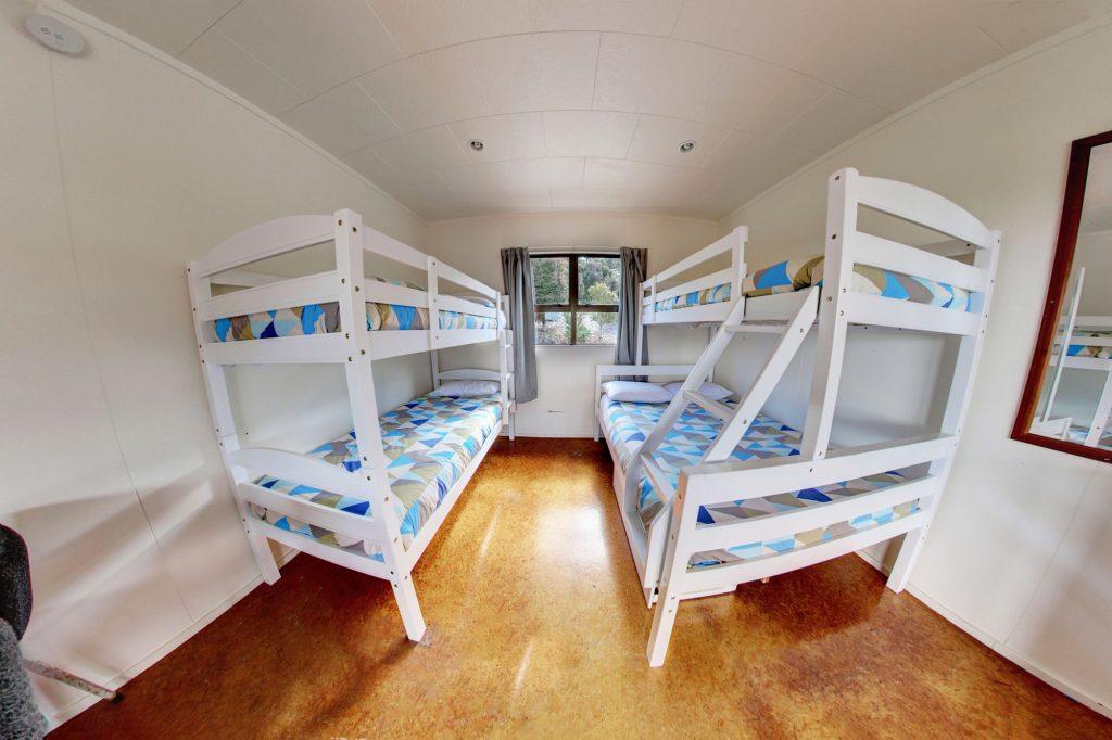 Standard-Cabin-5-Berth-3