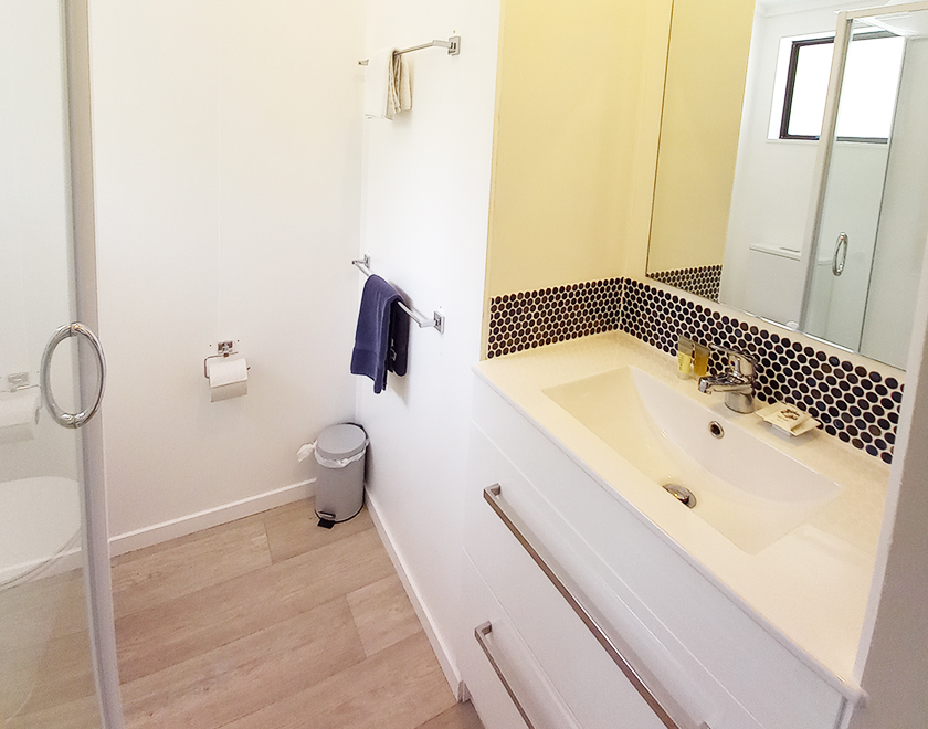 Villa_Bathroom_Newbook_840x660